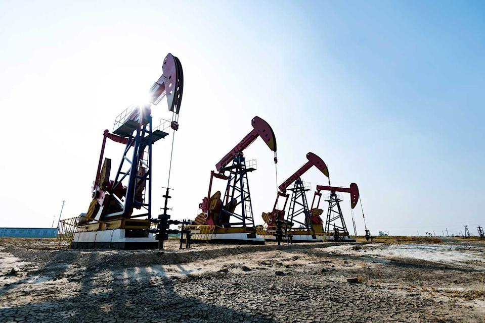 Petróleo, OPEP mejora perspectivas para 2022: existencias de Eni en Piazza Avary